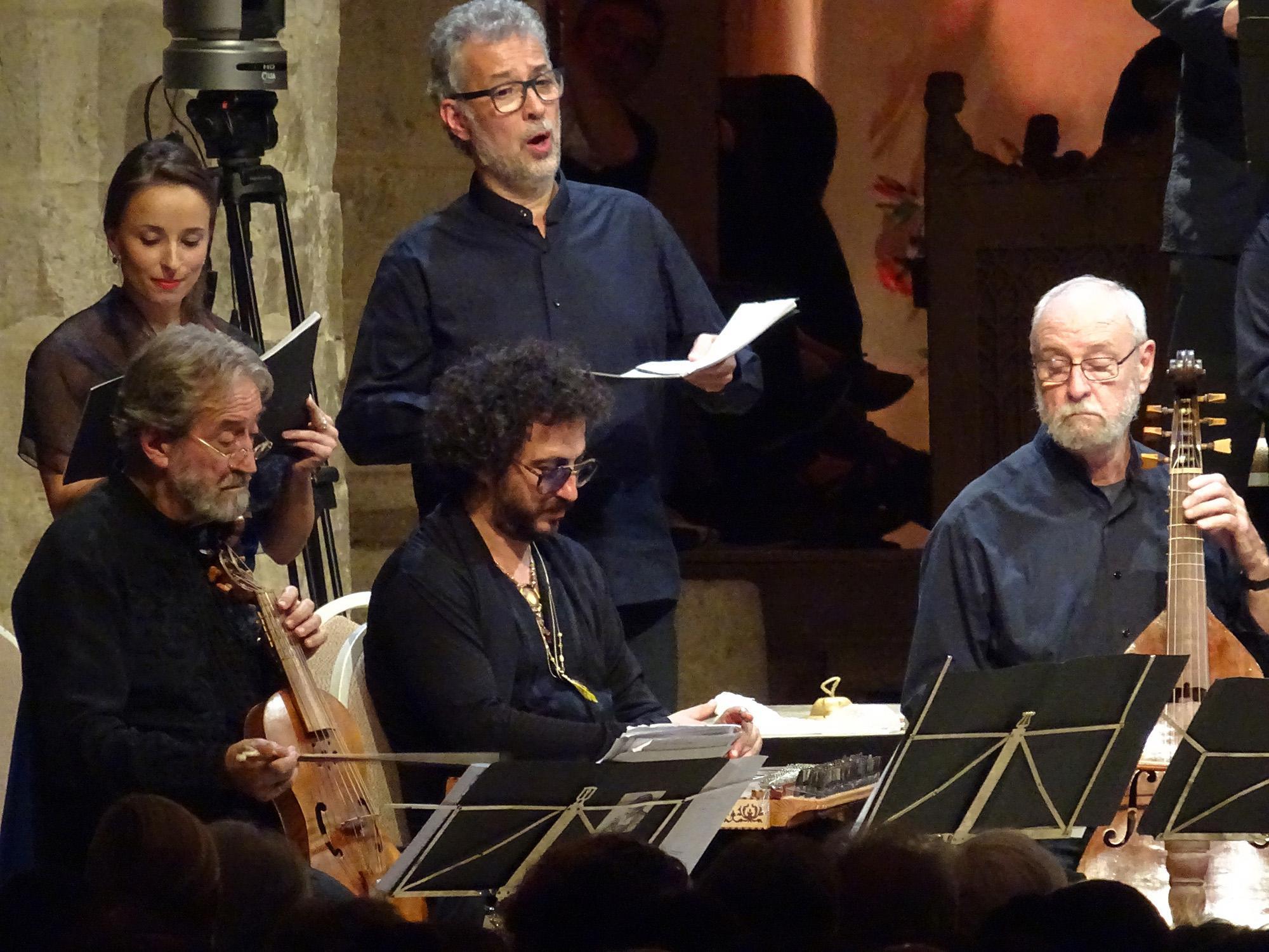 Jordi Savall, members of Hesperion XXI and La Capella Reial de Catalunya - ©CCR Ambronay